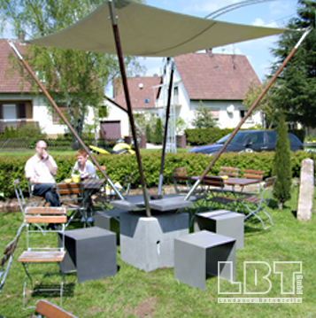 SBT_Gartentisch_mit_Sonnensegel